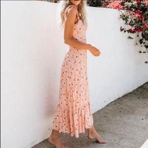 Vici floral maxi peach dress M